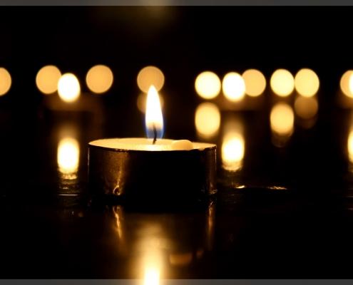 Burning Tealight Memorial